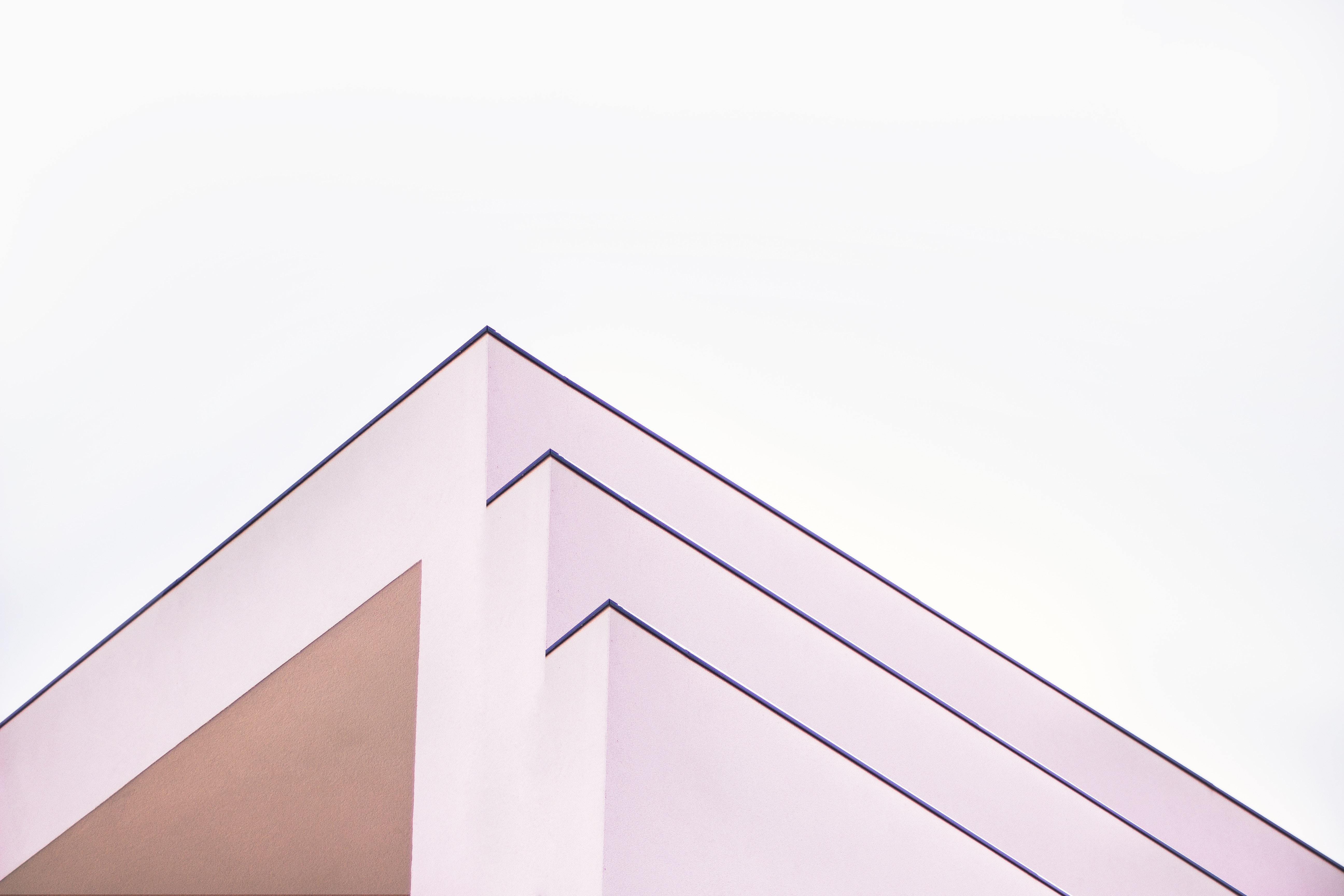 Edificio esquinas pronunciadas